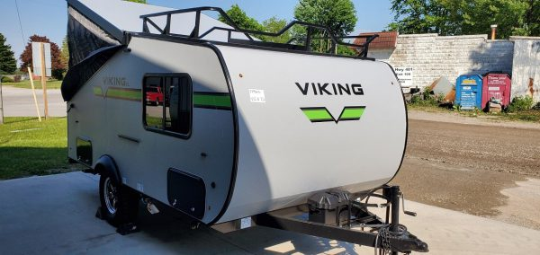 Exterior front view of the 2021 Viking 12.0 TD XL with Off-road Package