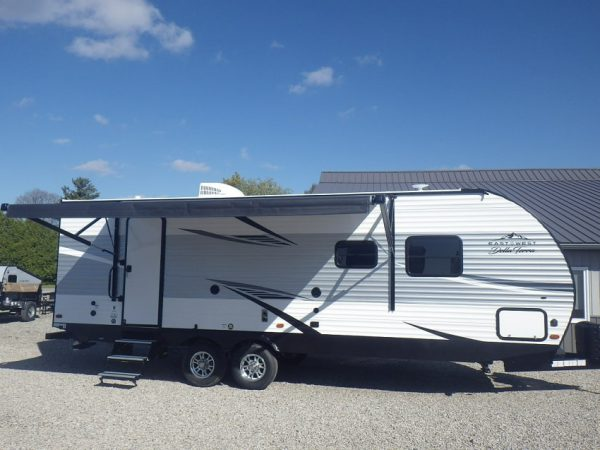 Exterior of the 2020 Della Terra DET261RB Rear Bath with awning extended