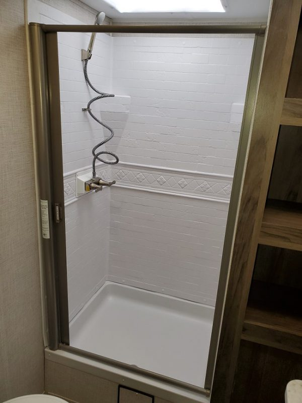 View of the shower inside the 2021 Della Terra DET291RK